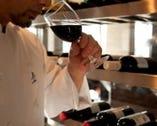 ワインの種類は 豊富に取り揃えてます。