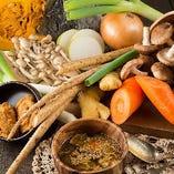 【料 理】 野菜をしっかり食べられる逸品をご用意しております