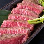 【A5ランク山形牛】 見事なサシと赤身のコントラスト!肉の旨さを実感