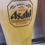 サーバーから注ぐキンキンに冷えたビールで乾杯!お肉が進みます