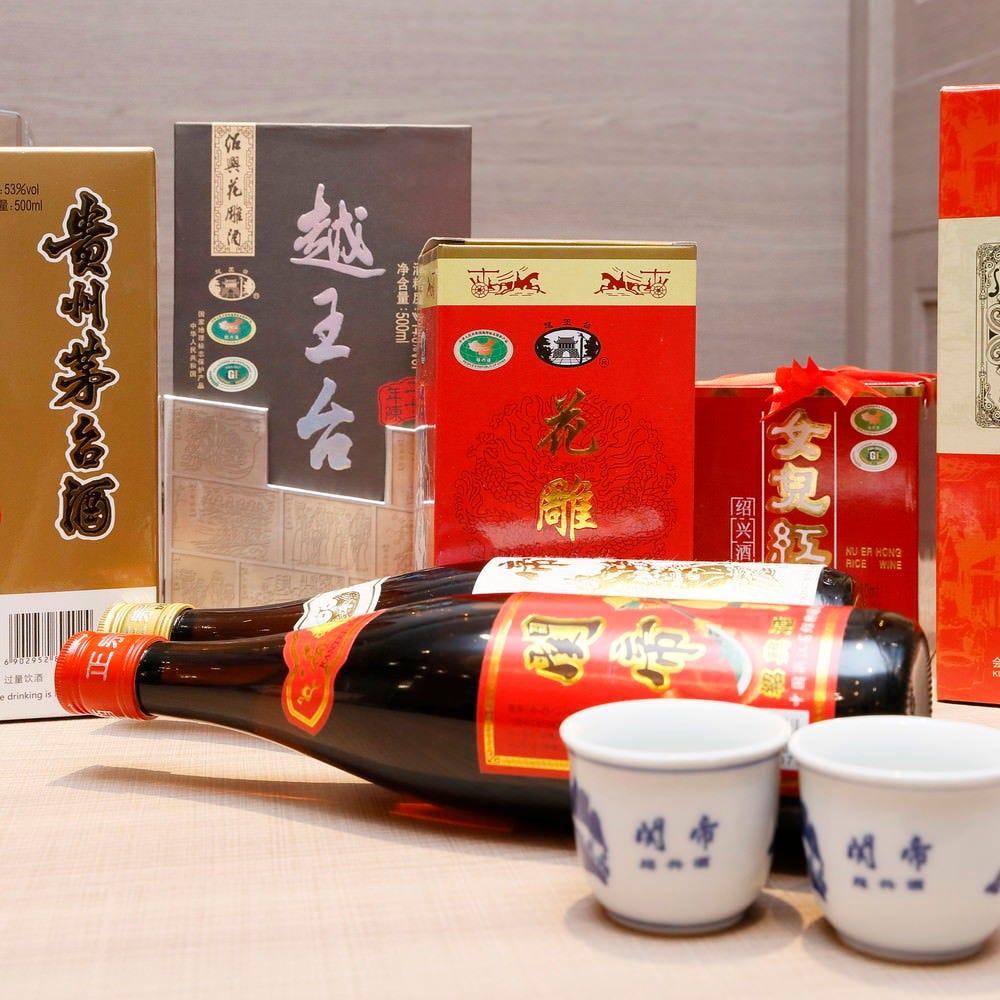 中国酒も種類豊富にご用意しております。
