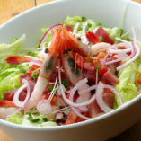 ■サラダ     : ビックリサイズのシーフードサラダ