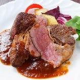 葡萄牛の肩ロース肉のステーキ 赤ワインソース