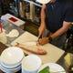 日本料理店で修行を積んだ店主の手で丁寧に下準備