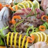 ②今日は特別な宴会でお祝いしたい方にがいます  お造りプレート→「鯛の姿造り」付き豪華お造りプレート