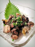 薩摩親鶏の炭火焼 お待たせしません。炭の香りと旨味がしっかりある一皿。