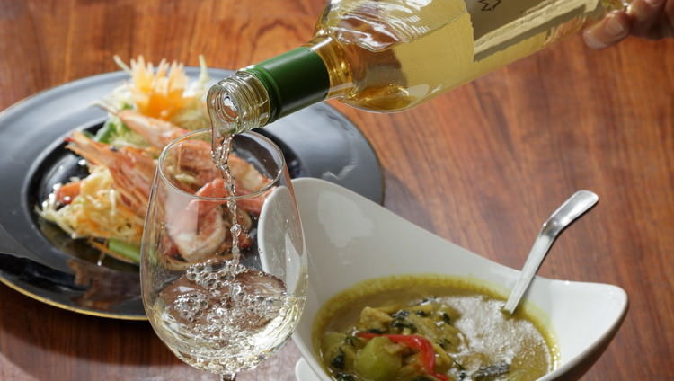 タイ料理×ワイン。貴方だけのマリアージュを見つけてください