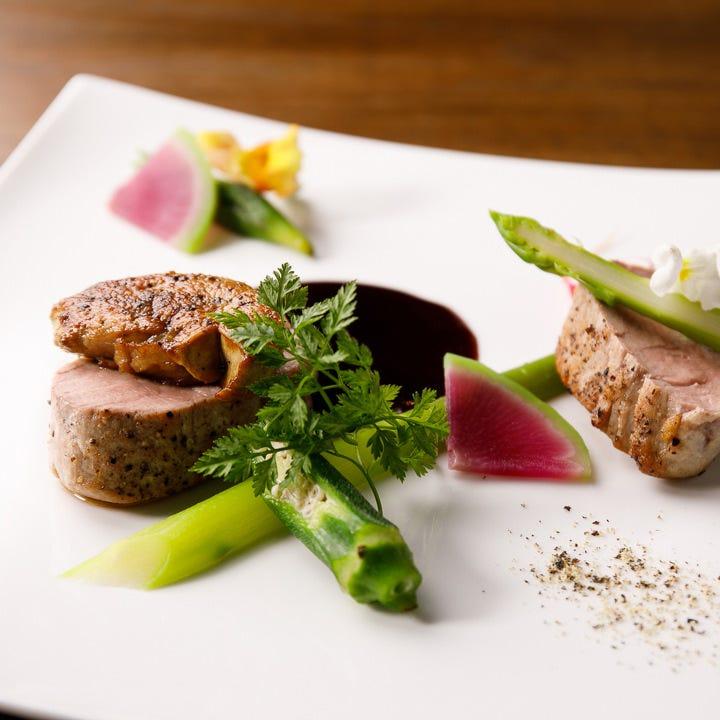 シェフの逸品を堪能できるコース料理は記念日のディナーにも最適