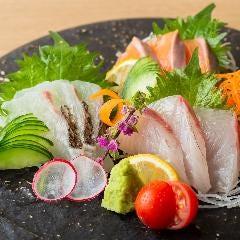 鮮魚盛り合わせ三種
