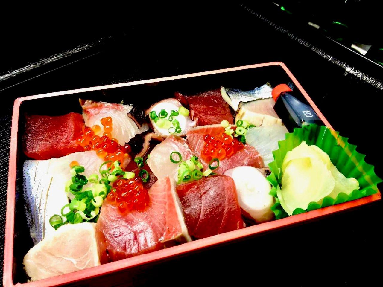 【テイクアウトメニュー】海鮮ばらちらし弁当のほか、全5種類!