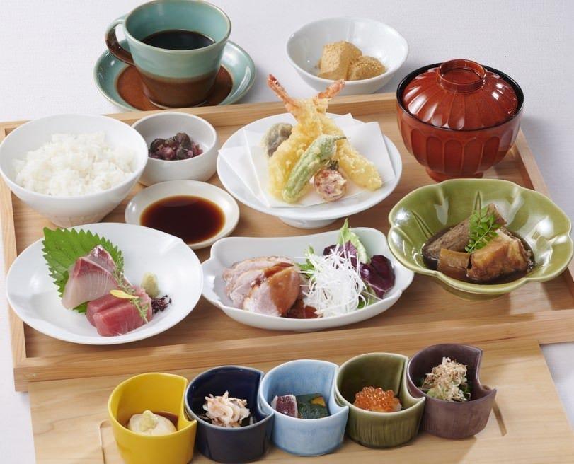 会食やお昼のご宴会にも最適な「贅沢御膳 2,650円」