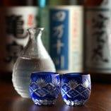 土佐の豊富な日本酒・焼酎と絶品料理をお楽しみください