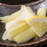 満太郎全店で愛される人気メニュー『国産セロリのレモン漬け』やみつきになるお客様続出☆