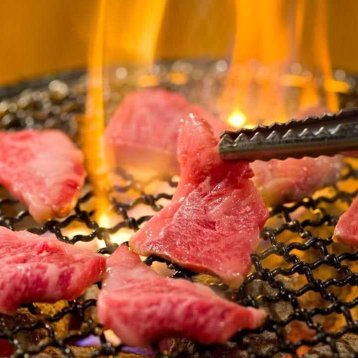 炭火で焼き上げるから旨い!七輪焼肉ならではの味わいを是非!