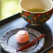 職人の伝統と技が光る和菓子の芸術品