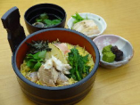 北杜市産 岩魚と筍の桶盛り飯     小鉢・甘味・お吸い物付き