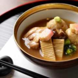 加賀郷土料理「治部煮」季節の治部煮をご用意いたします。