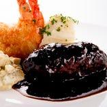 【自慢の逸品】 上野洋食遠山特選デミグラスハンバーグは必食!