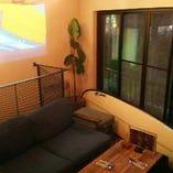 【2階】浜松街中でゆっくりと時間が流れる 女子会やデートに人気のソファーテーブル