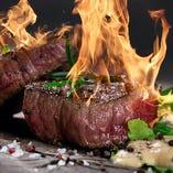 自慢のお肉料理が目白押し!食べ飲み放題でご堪能ください♪
