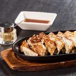 【名物】 必食!鹿児島県産黒豚ミンチを堪能「黒豚一口餃子」