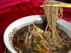 完食続出!黒ゴマ担担麺 病み付きの美味さ 950円