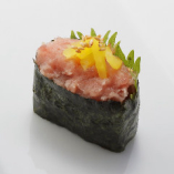 とろたく軍艦 Minced Tuna with Pickled Radish / かに軍艦 Crab
