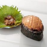 活鮑(肝付き) Live Abalone (with the liver)