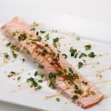 炙りジャンボとろサーモン Broiled Fatty Jumbo Salmon