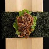 リブロース焼肉手巻き Juicy rib-eye beef yakiniku hand roll