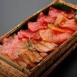 極上 漬け本まぐろちらし弁当 Super Rich Assortment of Seasoned Bluefin Tuna Bento (Box sushi)