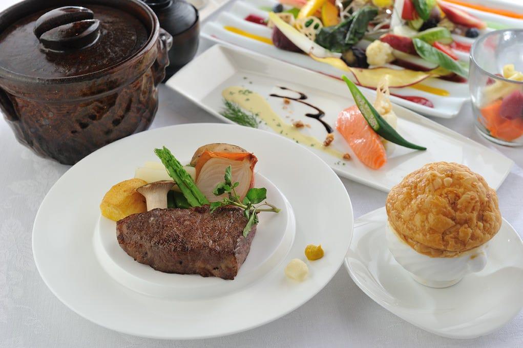 月間お勧め ばくろ特別ランチコース飛騨牛赤身ステーキ