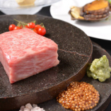 旬の素材をふんだんに使用した特別なコース料理をご用意致しております!