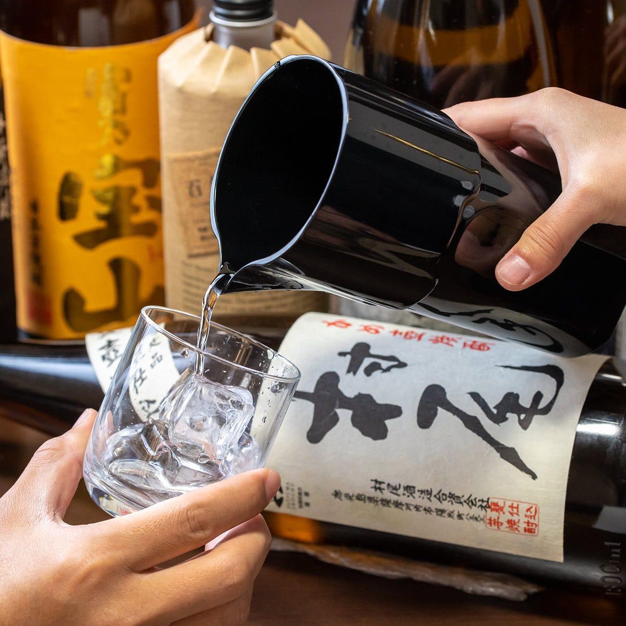 飲み応えのある焼酎や日本酒を豊富に取り揃えております!