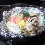 秋鮭と木の子の北海道味噌バターホイル焼