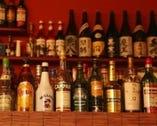 飲み物はアルコール~カフェメニュー まで幅広くオーダーOK。
