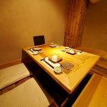 新宿の喧騒を忘れさせる、くつろぎの隠れ家。
