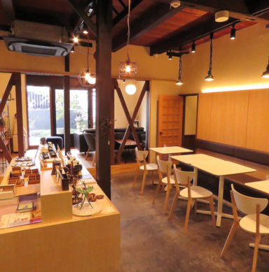 Cafe&Guesthouseもやいや  店内の画像
