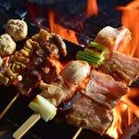 炭火焼鳥多数!必食のごち焼きはモモ、豚バラをご用意!297円~
