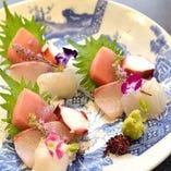 毎朝築地から買い付ける厳選鮮魚と全国から届く魚介【東京都】