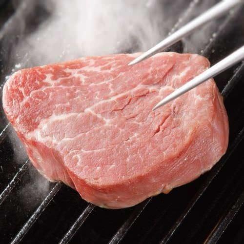 ★けんのお肉はお店でカット