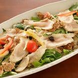 鶏むねたたきの胡麻サラダ