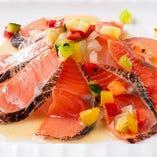 紅鮭のタタキ 柚子味噌ソース