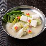 ・白菜と鶏肉の豆乳鍋