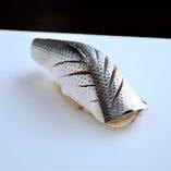 本格的な「江戸前鮨」をランチで気軽に