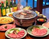 当店自慢の和牛焼肉と素材に こだわった韓国料理数種。