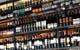 店内にズラリと並ぶワインは世界各国100種以上