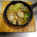 【冬の季節メニュー】ホタテと冬野菜のアヒージョ