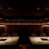 接待や祝席にふさわしい、ラグジュアリーで優雅な全席完全個室