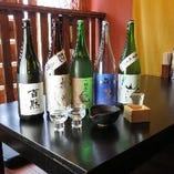 お座敷でゆっくりと日本酒などいかがでしょうか?